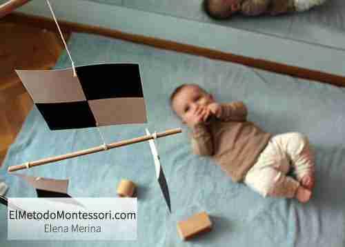 Móvil Montessori Para Bebés en su Habitación
