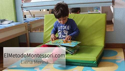 Zona de Lectura en Habitación Montessori para Niños