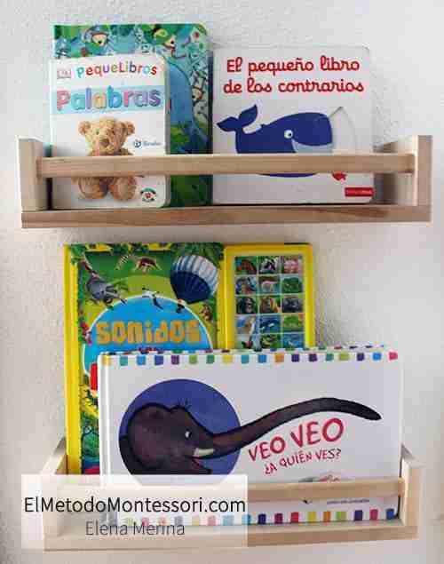 Estanteria de Libros en una Habitación Montessori para Niños