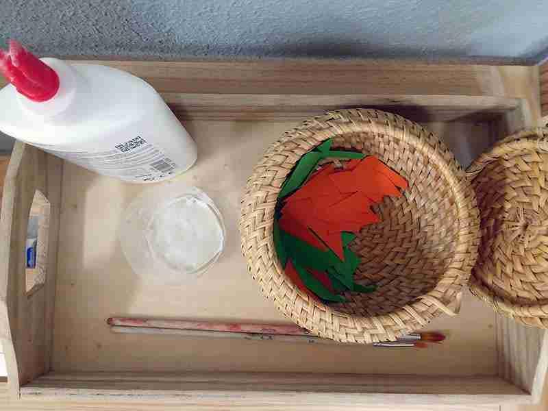 Actividad Montessori de pegar. Actividades de arte para niños